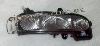 Повторитель поворота зеркала Мерседес 211 2002 - 2006